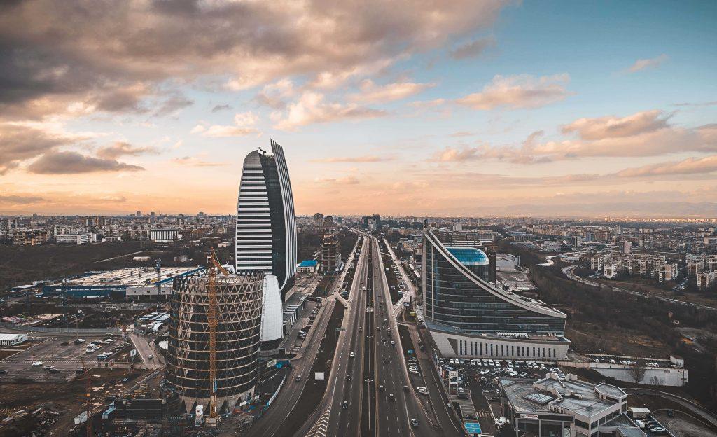 изглед към София с модерни нови сгради