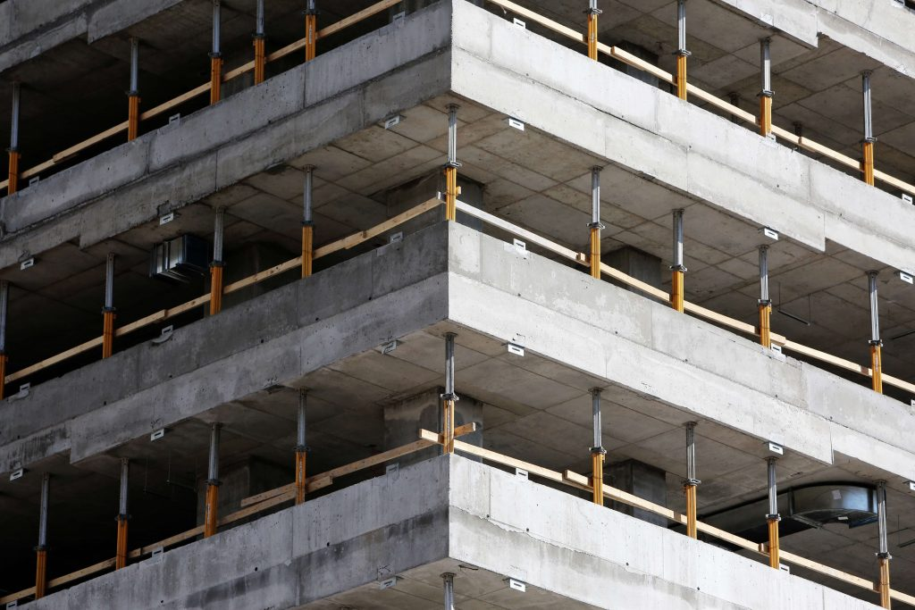 строеж на голяма жилищна сграда