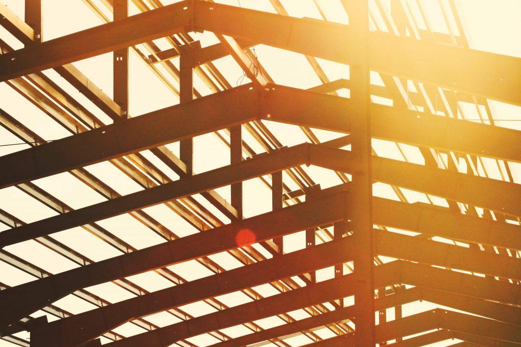 покрив в начален етап на строеж